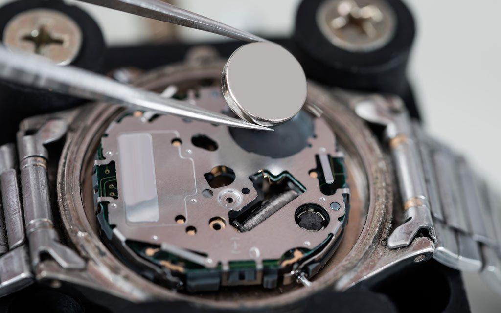 quartz watch battery replacement