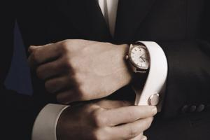 Best Cufflinks to Match with Your Luxury Watches: A Comprehensive Guide