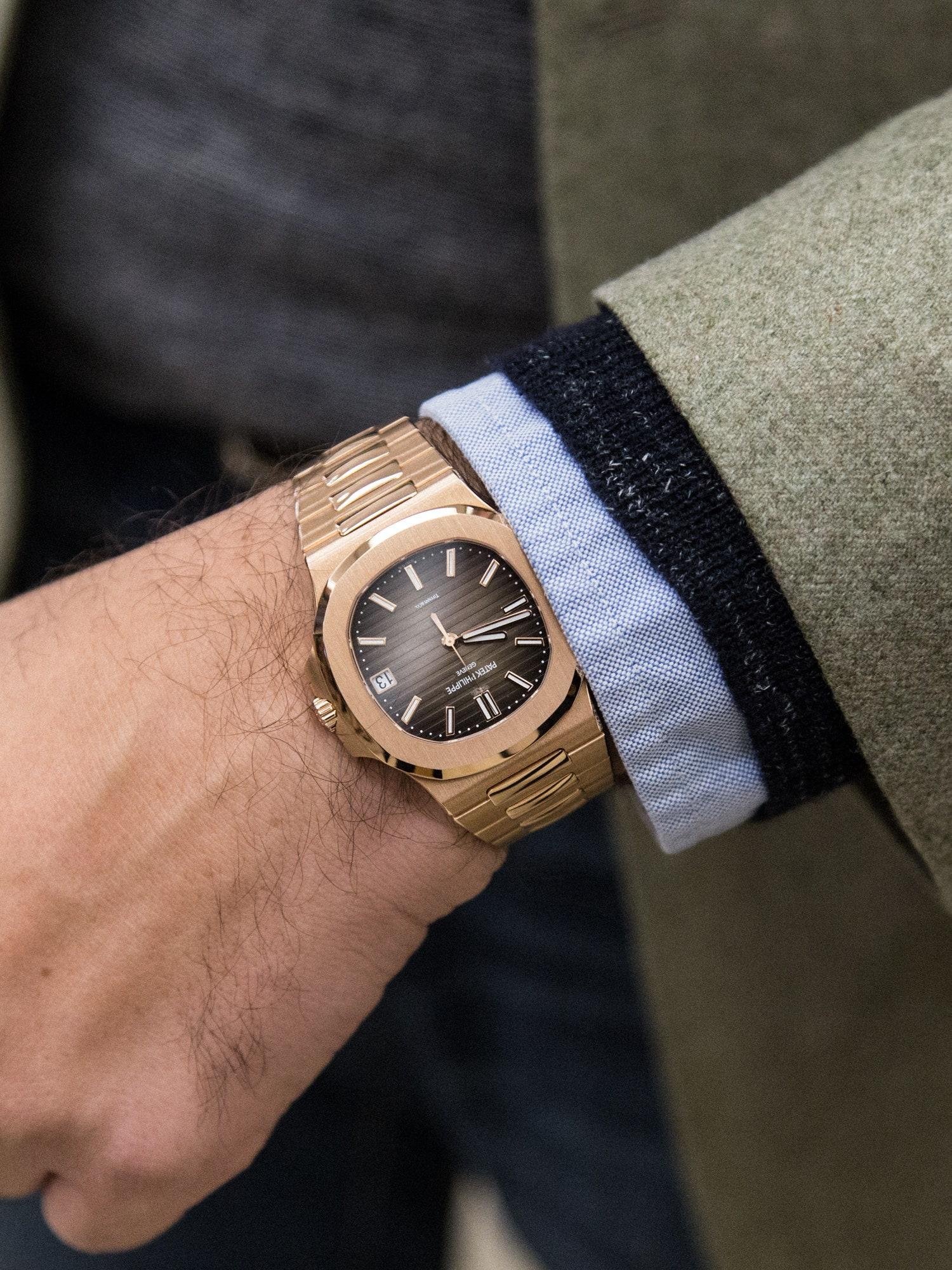 How to Wear a Watch With Style: A Comprehensive Guide