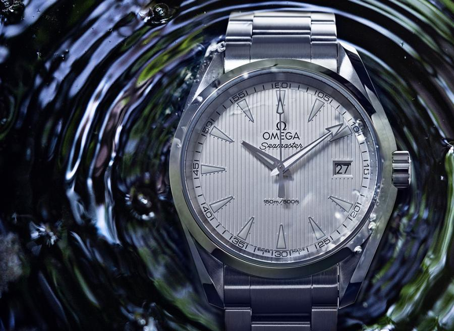 The 5 Best Watches Under 40mm