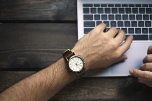 What is An Analog Watch?
