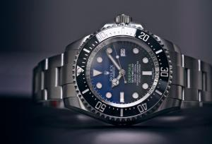 Dive With These 5 Extreme Deep Dive Watches