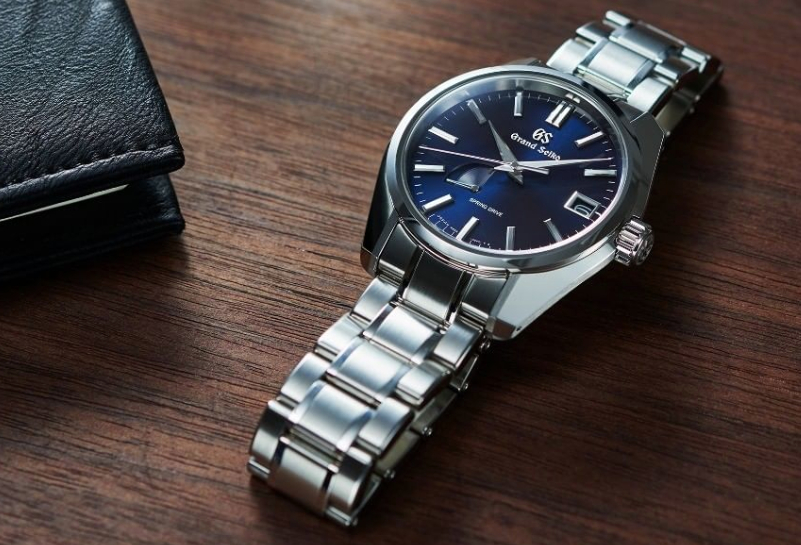 best cheap c904c 0ec19 Watch Guide - Reviewing the Grand Seiko Spring Drive ...