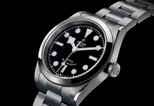 A Closer Look at the Tudor Black Bay 36