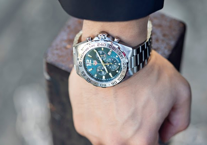 5 Types of Watch Bezels and How to Read Them